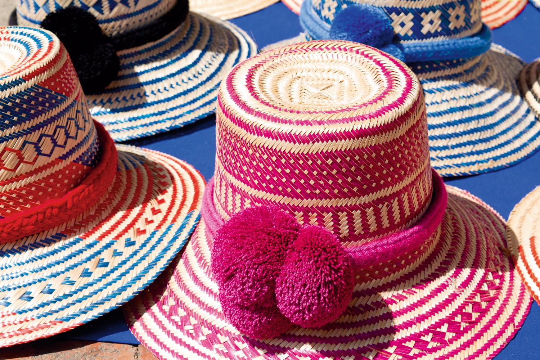 <CENTER>Sombreros</CENTER>