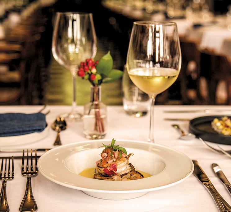 Tour Gastronómico - Camarones a la parrilla con crema de la pasión y salsa criolla  $34.000
